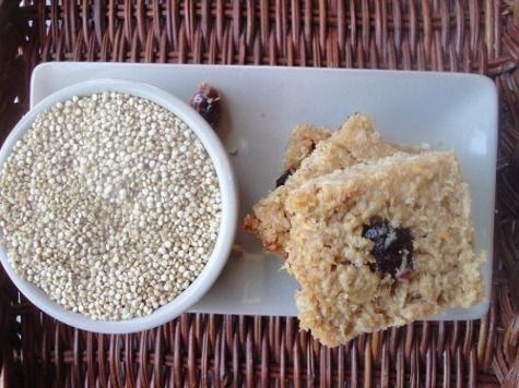 Quinoa Oat Protein Bars :: via Kitchen Stewardship