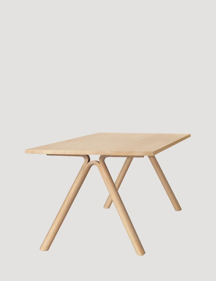 The SPLIT table derives its name from its unique feature of split and bent legs. An excellent example of the Scandinavian design tradition, SPLIT combines a seemingly solid structure with a light and delicately balanced base. Ideal both for private and professional use. #muuto #muutodesign