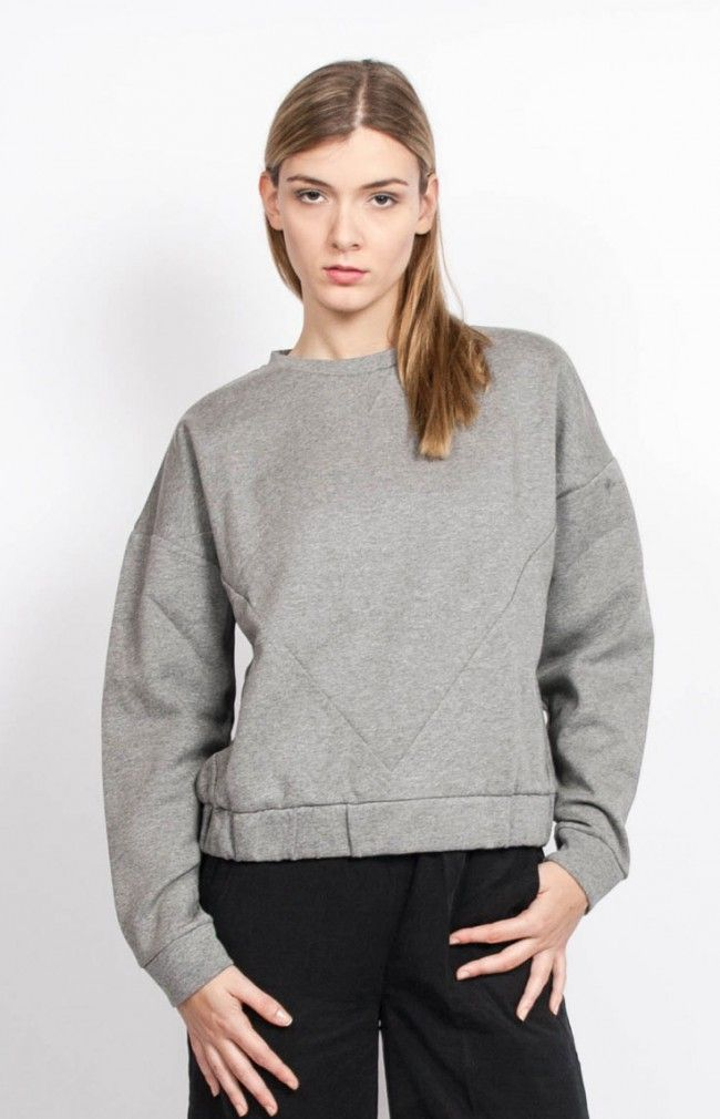 VERONICA Long-sleeved sweater in grey melange with cutting. #anglestore #fashion #greysweater #simplecut