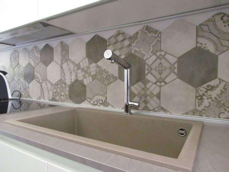 Oltre 25 fantastiche idee su piastrelle esagonali su - Cementine cucina ...