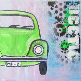 Stoer auto schilderij voor de jongenskamer van een groene Kever. Het schilderij is handgeschilderd met acrylverf en bewerkt met graffiti.