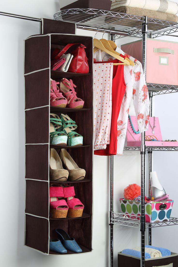 Utiliza un organizador para acomodar tus zapatos y tener - Como hacer un closet en una habitacion ...