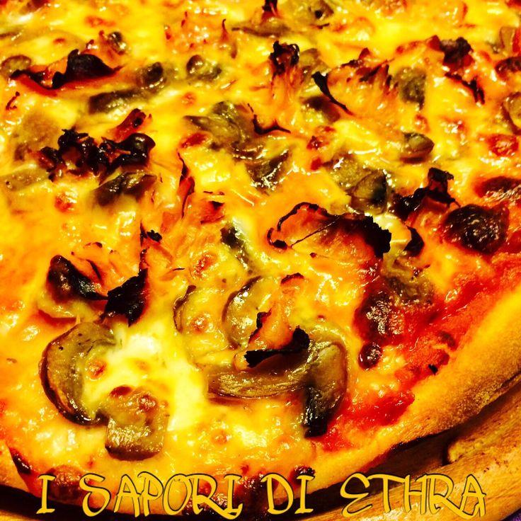 Pizza funghi e prosciutto cotto