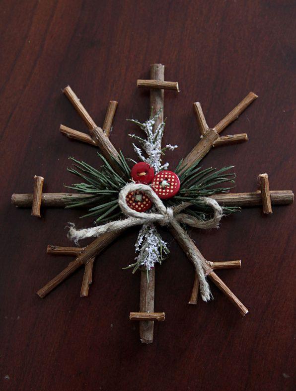 Как сделать новогодние снежинки из веточек / Потихоньку создаем новогодний декор - сегодня снежинки из веточек.