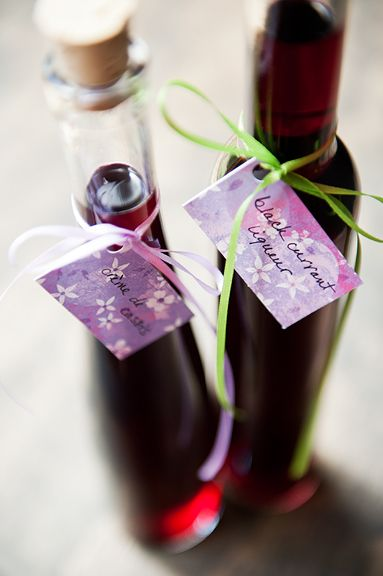 Homemade black currant liqueur crème de cassis recipe