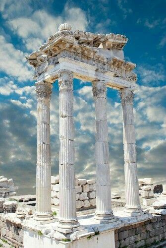 Pergamon Ruins, Traian Temple. Bergama, Izmir, Turkey