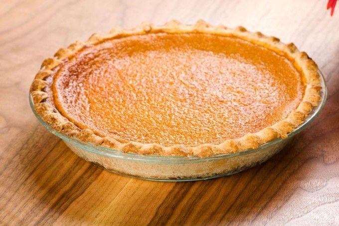 Din numai 4 ingrediente de bază poți obține cea mai simplă și rapidă foaie de plăcintă. Este o rețetă de bază pe care o poți folosi atât la plăcinte dulci cât și la plăcinte sărate. Fragedă și delicioasă, gata în numai 10 minute, nu ai cum să dai greș dacă urmezi ce 4 pași simpli …