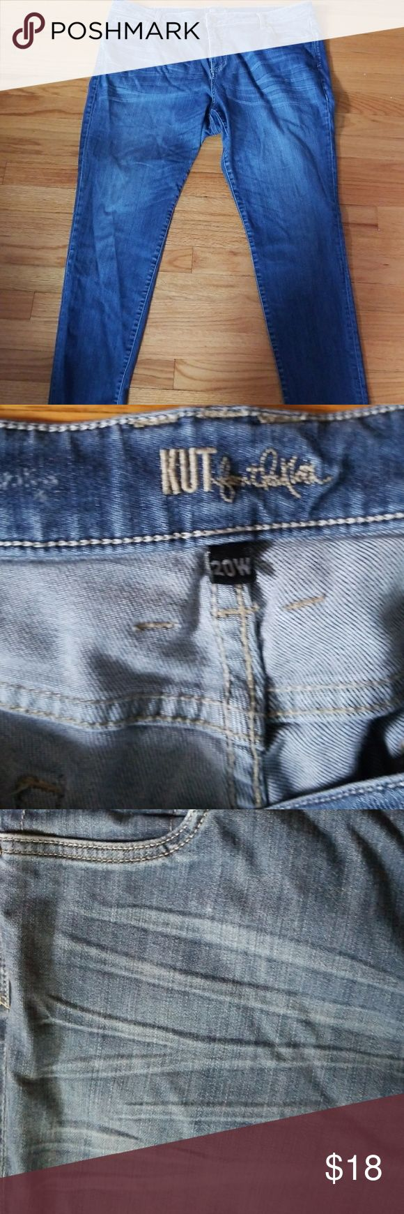 Kut Women's Jeans Relaxed Fit EUC Love these jeans! Seriously, Kut Jeans seem to be the most figure flattering I've found, and these are no exception. Great pair with nice whiskering and fading in the right places. Comfortable without being sloppy. Excellent condition, smoke free home. Kut from the Kloth Jeans