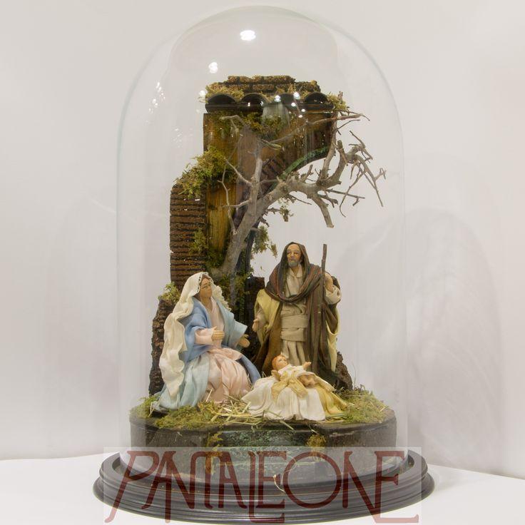 Campana vetro con presepe in terracotta e stoffa