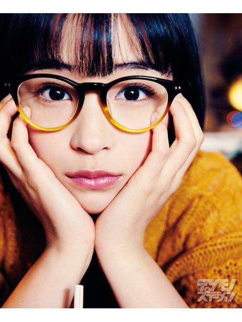 メガネ姿が可愛い広瀬すず
