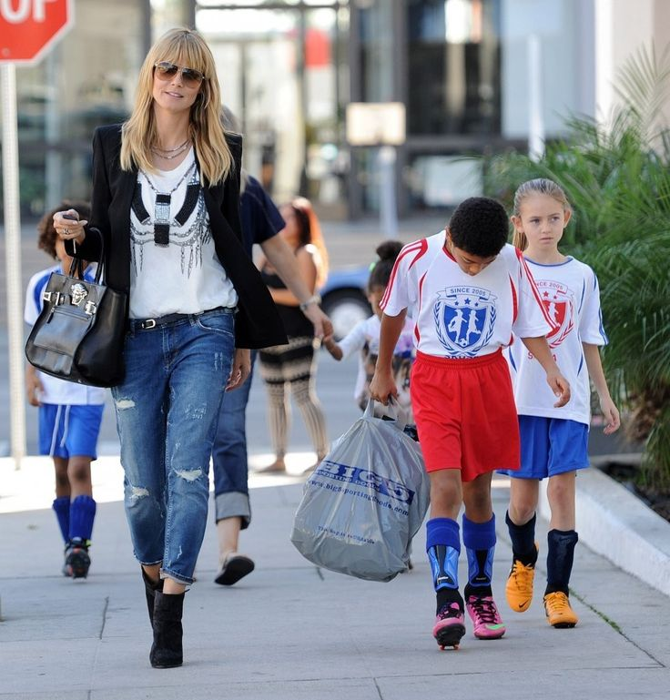 Heidi Klum Photos: Heidi Klum & Kids Shopping At Big 5 In Santa Monica
