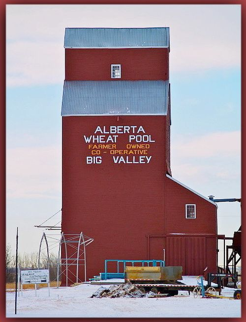 Grain elevator in Big Valley, Alberta