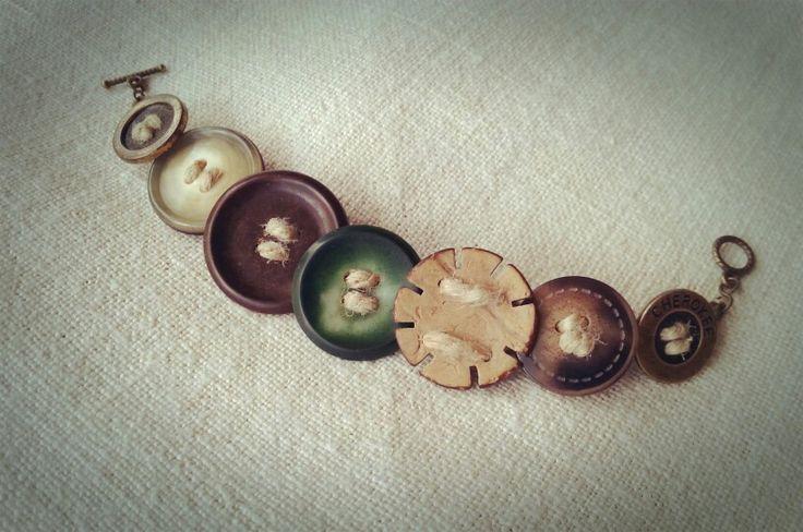 Buttoms bracelet by henusz