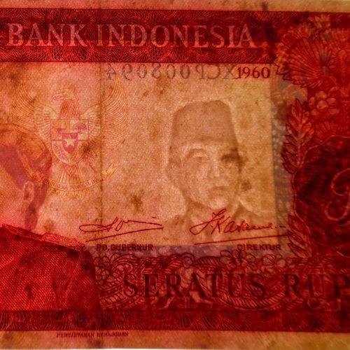 Uang Soekarno Seratus Rupiah Kuno