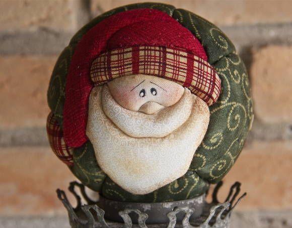 Natal é época de alegria, de desejar o bem e de reunir a família para comemorar o nascimento de Cristo. De decorar seu espaço de maneira acolhedora para encantar amigos e parentes. E a Manual Arte Decorativa vem ajudar você, trazendo novos projetos, deixando seu Natal ainda mais bonito. R$ 24,90