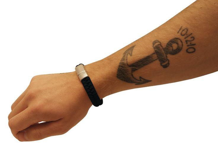 Armband Eona Black med gravyr - getpersonal.se - Stephen?