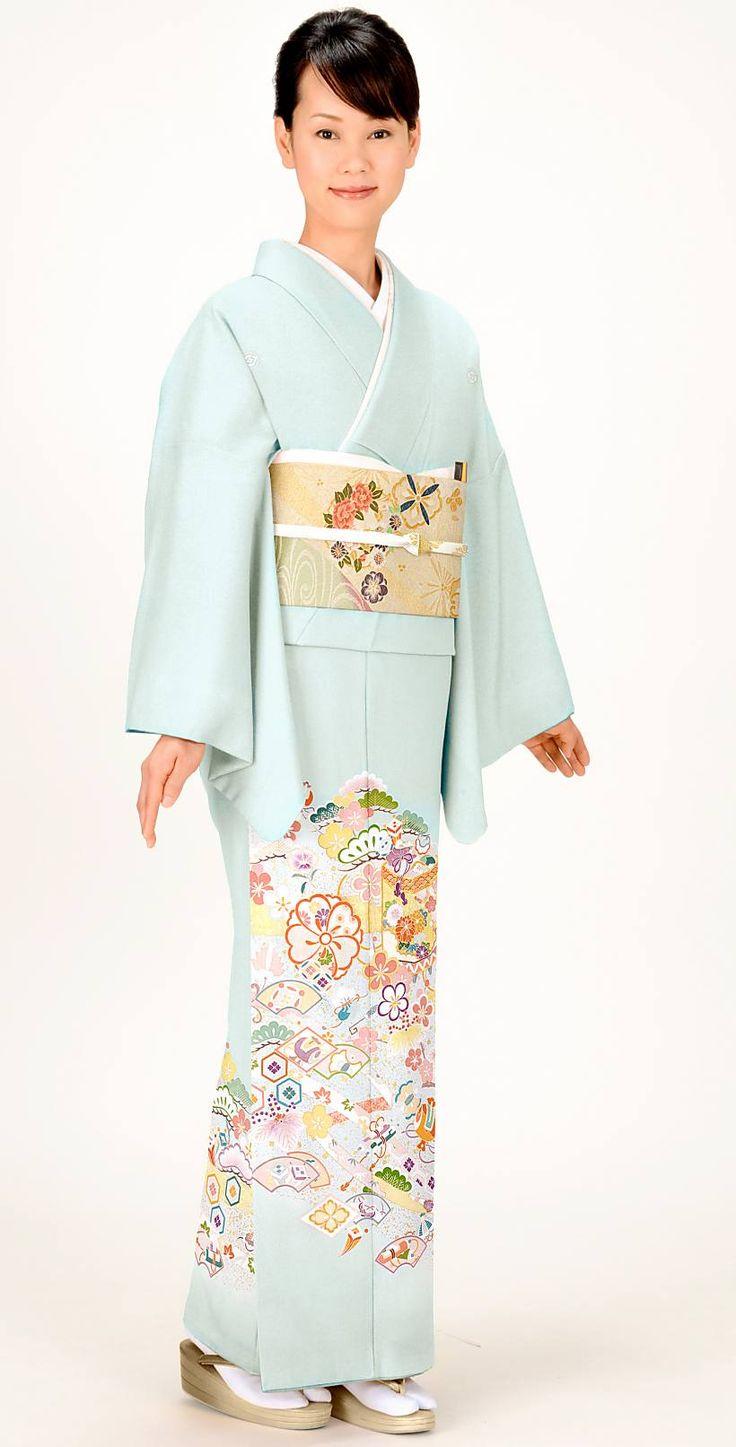 ブルーと貝桶と宝づくしが目を引く色留袖♡結婚式にぴったりの色振袖まとめ。ウェディング・ブライダルの参考に