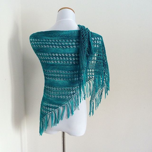 Beginner Lace Knitting Pattern. To learn lace knitting, go to http://knitfreedom.com/classes/lace-knitting. (c) mpiggy
