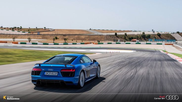 Tecnologia das pistas de corrida diretamente para sua garagem.  #AudiLovers #Love #AudiAutomóvel #AudiCenterBH #Audi #AudiR8 #R8 #V10Plus #AutoShow