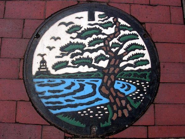 Японский дизайн канализационных люков