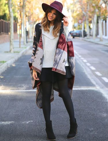 Trendy Taste, look Sudadera gris con flecos. Fringed jersey top. Like the whole look.