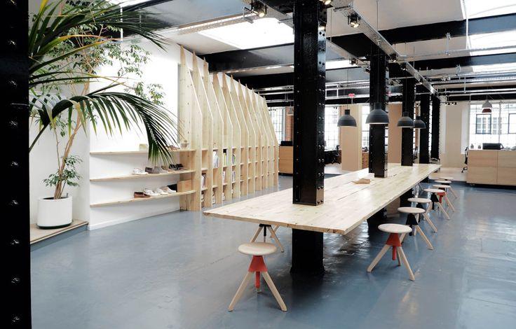 ARRO studio, fondé par Erik Arlen et Ludo Roth, nous présentent pour la marque Clarks Originals un nouvel espace du département design de la marque.