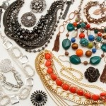 {styled} By Tori Spelling — Make Jewelry in Three Easy Steps!