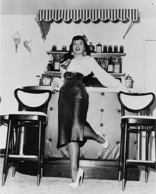 254 best images about bettie page a woman in charge on. Black Bedroom Furniture Sets. Home Design Ideas
