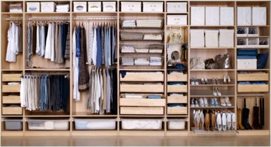 IKEA Yatak Odası: PAX gardıroplar  yaratıcı çözümleriyle yatak odanızı düzenler, hayatınızı kolaylaştırır.