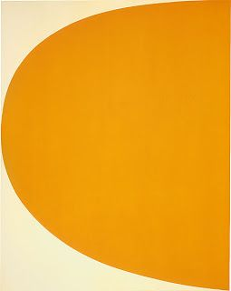 """Ellsworth Kelly, que se distingue por sus cuadros hard edge, esto es, """"pintura de borde duro"""" o de perfil limpio."""