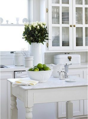 White kitchen, love