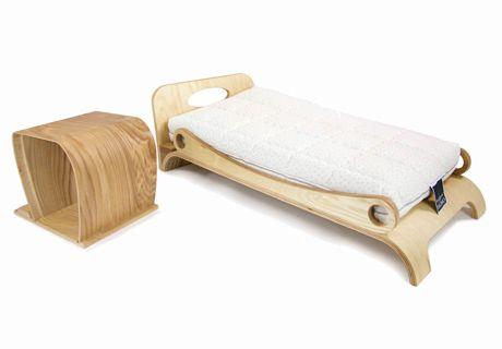 "Montessori-Style Bed: A""Baby-Friendly"" Sleep! http://www.manifatturafalomo.com/blog/sleep-tips/bed-montessori-method/"