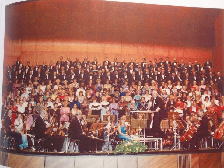 Der Stuttgarter Liederkranz sorgt für Melodien, die ins Ohr gehen – früher wie heute. Haben Sie auch schon tolle Konzerte in der #Liederhalle erlebt? Erzählen Sie uns davon! Schicken Sie uns Ihre Bilder & Geschichten aus 60 Jahren Liederhalle unter ellen.schmid@liederhalle-stuttgart.de. © Waltraud Beck