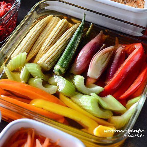 来週の心の支えが出来ました~(≧▽≦)今回は、手抜き常備菜( ´艸`)・キドニービーンズと紫玉ねぎのバルサミコマリネ・ミニトマトとキャンディチーズのカプレーゼ風・人参のザーサイ炒め・混ぜるだけ海老ピラフの素・スライス紫玉ねぎ・ミニトマトのナンプラーマリネ・スパイシーチキン・大根の中華マリネ・紅くるりの切り干し大根甘酢漬け・茗荷の甘酢漬け・彩り野菜のピクルス・春菊と黒豆の柚子胡椒マヨ・ささみのイタリアン丸め...
