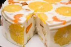 Любители желейных тортов будут в восторге! Ингредиенты для бисквита: ✔ 3 яйца ✔ 0,5 стакана сахара ✔ 1 ч.л. соды ✔ 1 стакан (200г.) муки  Для начинки:...