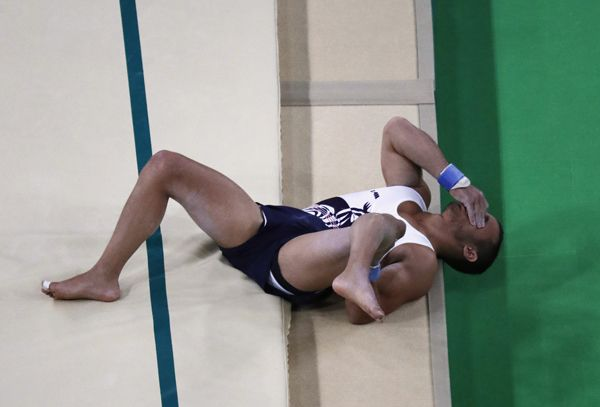 Ngeri ! Kaki Kiri Pesenam Olimpiade Jadi Begini Usai Salto . .