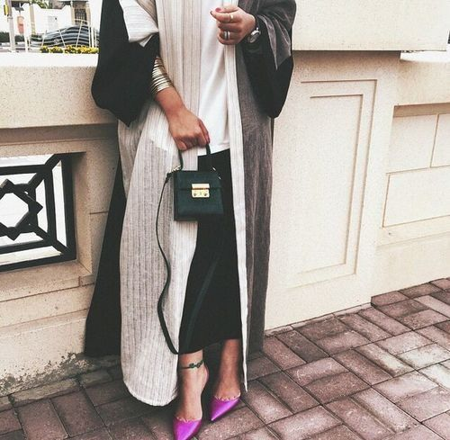 abaya style- Saudi Abaya fashion http://www.justtrendygirls.com/saudi-abaya-fashion/