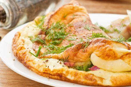 Un secondo nutriente e saporito che vi darà la giusta energia per affrontare gli intensi impegni quotidiani! Scopri le nostre #ricette: http://www.dimmidisi.it/it/dimmicomefai/fresche_ricette/article/omelette_farcita_allo_zafferano.htm - #dimmidisi #ricetta #recipe #cooking #cuisine #omelette #zafferano