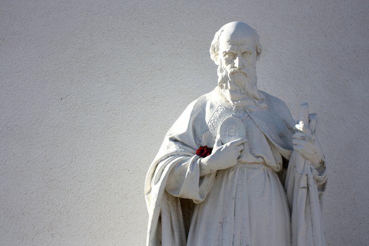 . Esta leyenda no pertenece solamente a la provincia de Huesca, la festividad de San Patricio es mundialmente celebrada. - Los duendes son unos seres mágicos que han dado lugar a todo tipo de leyen...