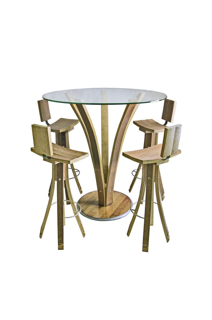 Stelo Alto, with high stools