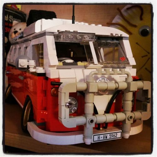 downshiftmcgurk:  Stancely KuBrick finally has his roo bar finished and painted (L87, no less!). #vw #volkswagen #dublife #vwbus #lego #stancelykubrick