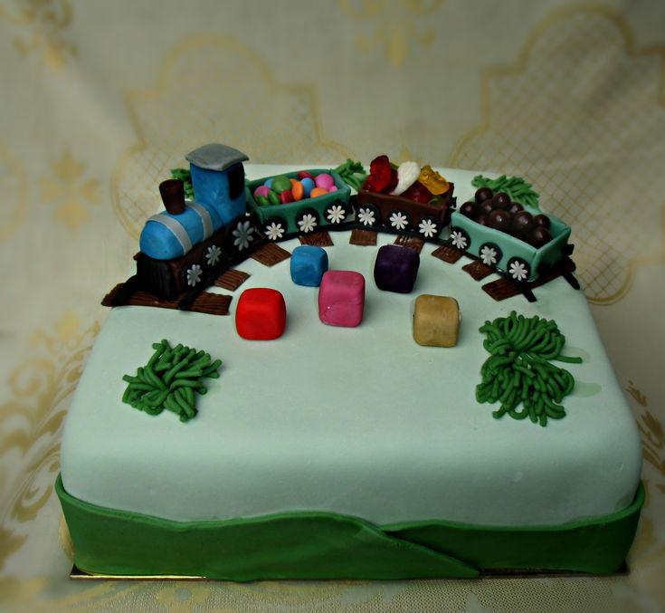 torta s vláčikom