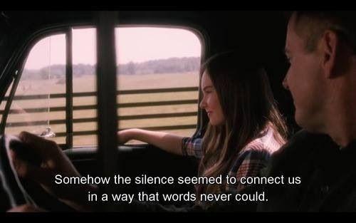 De alguna manera el.silencio parecía conectarnos de una manera que las palabras no podrían. #Flipped