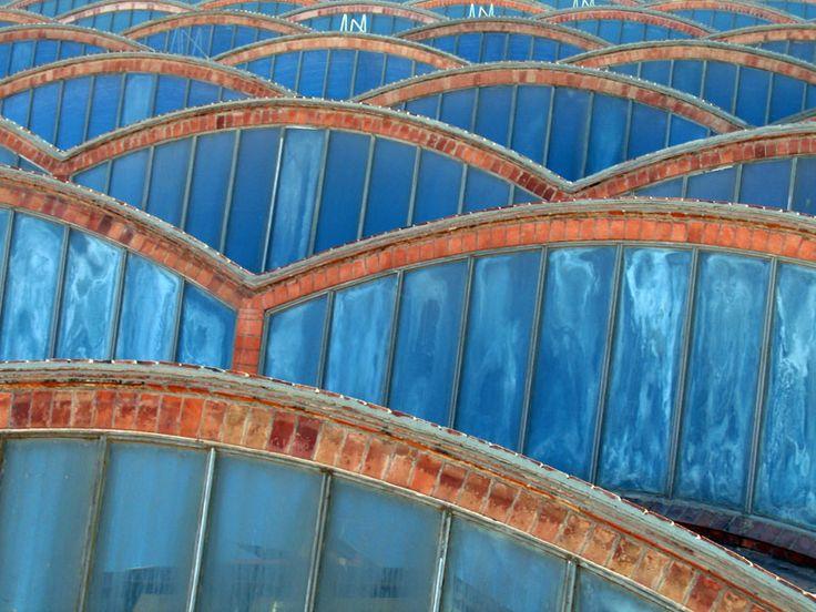 Cubiertas con bóveda catalana en las naves del Vapor Aymerich de Tarrasa, Barcelona.