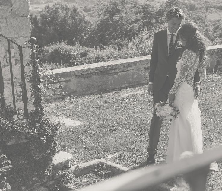 #hillenius#couture #hillenius #couture #weddings #wedding #dresses #beauty #lace #hautcouture #bridal #bridal fashion #fashion #trouwjurken #bruidsjurken #trouwjapon #bruidsjapon #trouwen #bruiloft #haarlem #netherlands #paysbas #marriage #vintage #openback #lace #romantic #unique #tailormade #designer #sleeves #mouwen #slank