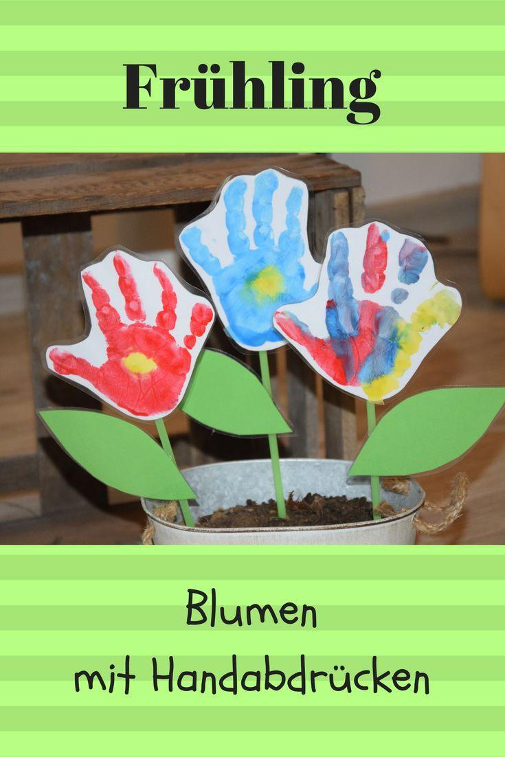 Endlich Frühling: Mit Kindern schöne Blumen basteln, aus Handabdrücken. mit F