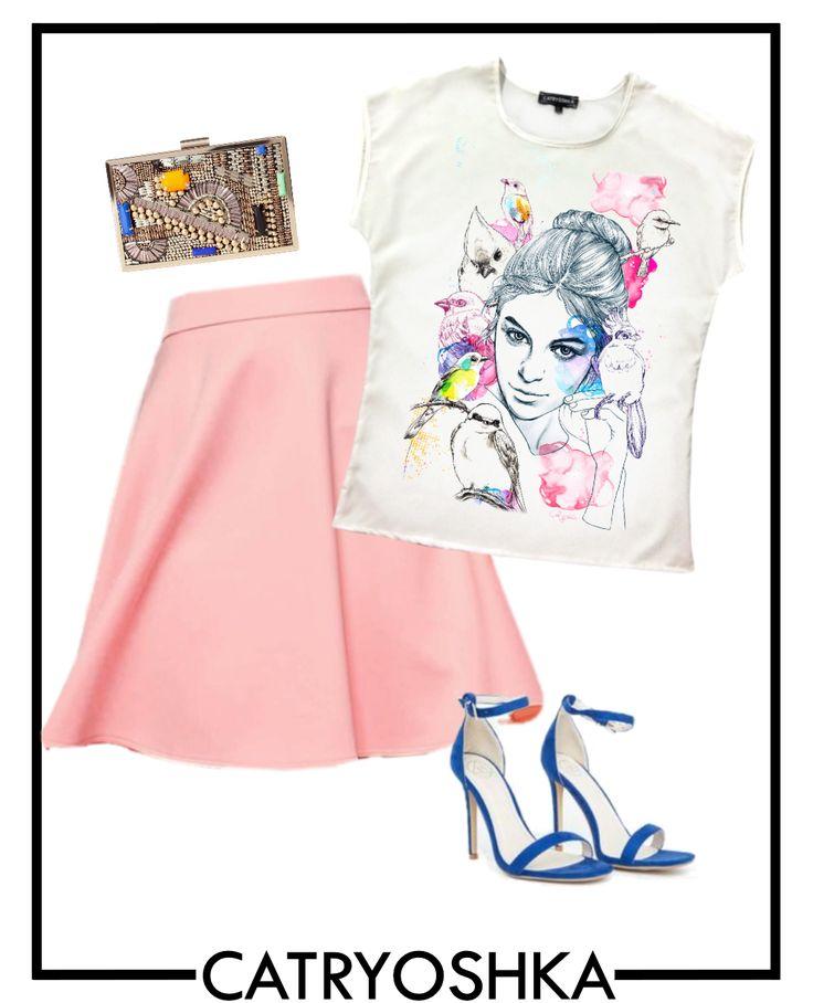 Va propunem o tinuta in culori pastelate potrivita pentru petrecerile din aceasta vara. Bluza o puteti comanda la un pret promotional de pe www.catryoshka.ro/magazin/categorie-produs/bluze-dama