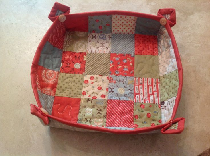 Patchwork caddy, using pattern from Moda's Candy Squares pattern booklet. Sew simple!