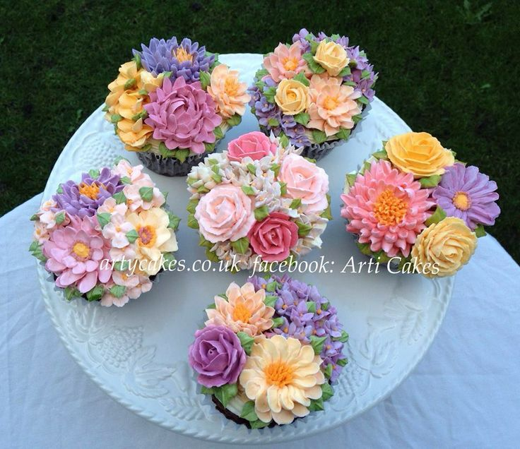 Flower Bouquet Cake Images