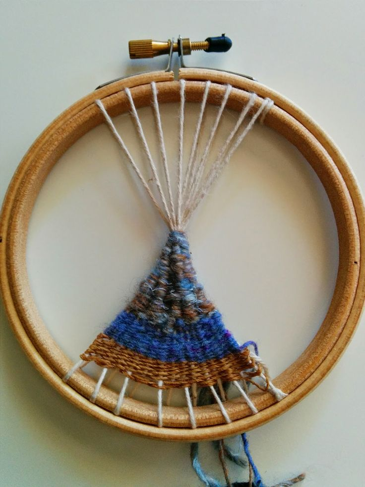 how to make a circular weaving loom